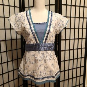 Art and Soul white/blue peasant embroidered blouse